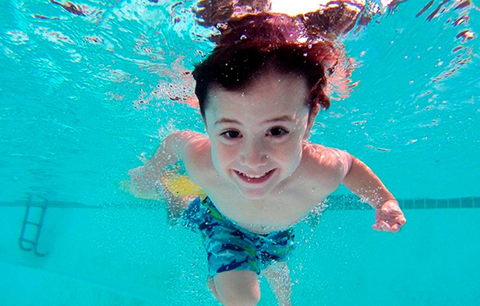 colegio con natacion